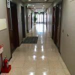 OMビル 1F廊下